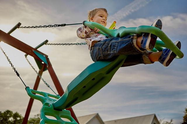 playground-691129_640