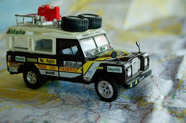 land-rover-597455_640