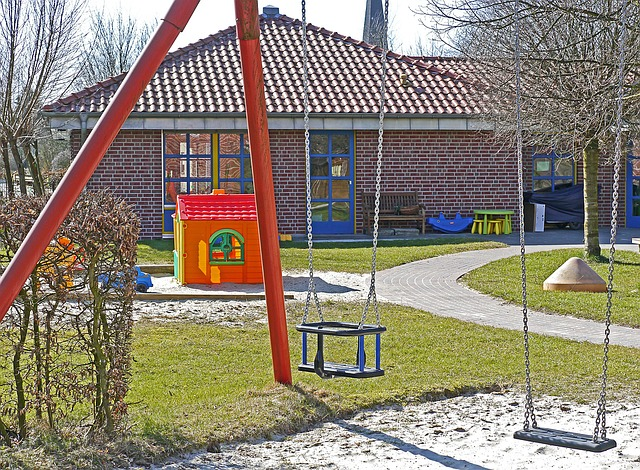 kindergarten-1322559_640